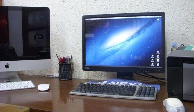 Mac mini OSX10.8.2 に古いディスプレイ(VGA)をつなぐには