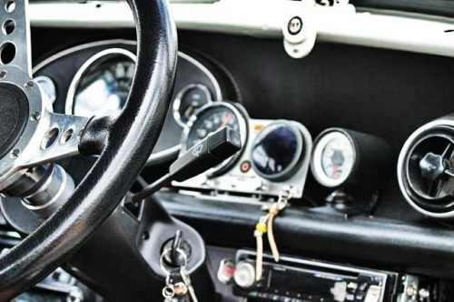 Checker Marcos MINI interior