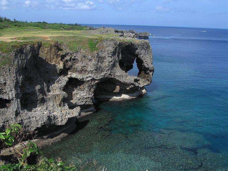 沖縄万座毛 地元の観光名所に約20年ぶりに行ってみた