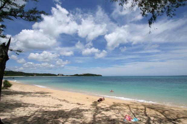 沖縄の本格シーズン到来前の静かな幸喜ビーチ