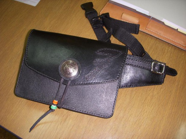 003-pouch2