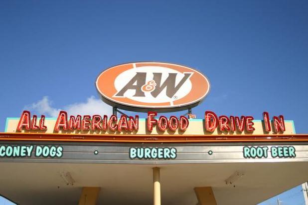 沖縄のドライブインと言えばやっぱり「A&W」