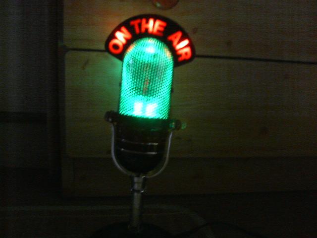 60年代風マイク型ラジオの改造イルミネーション