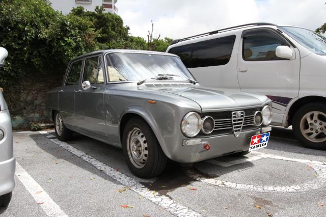 イタリアの旧車アルファロメオ・ジュリアが渋すぎる