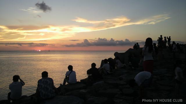 北谷サンセットビーチの夕日!キレイな景色に癒されよう♪