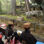 沖縄雑学/シーミーと呼ばれる家族総出でお墓へのピクニックがある