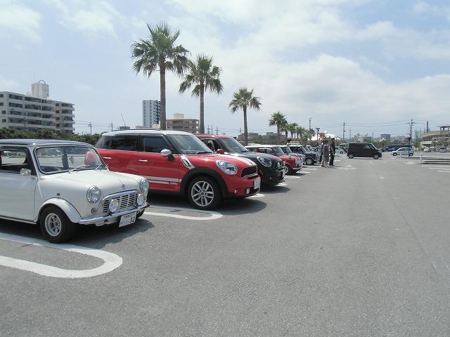 5月のOMC ドライブ&ミーティング・・・フクギ並木を散歩/伊江島が見えるカフェ